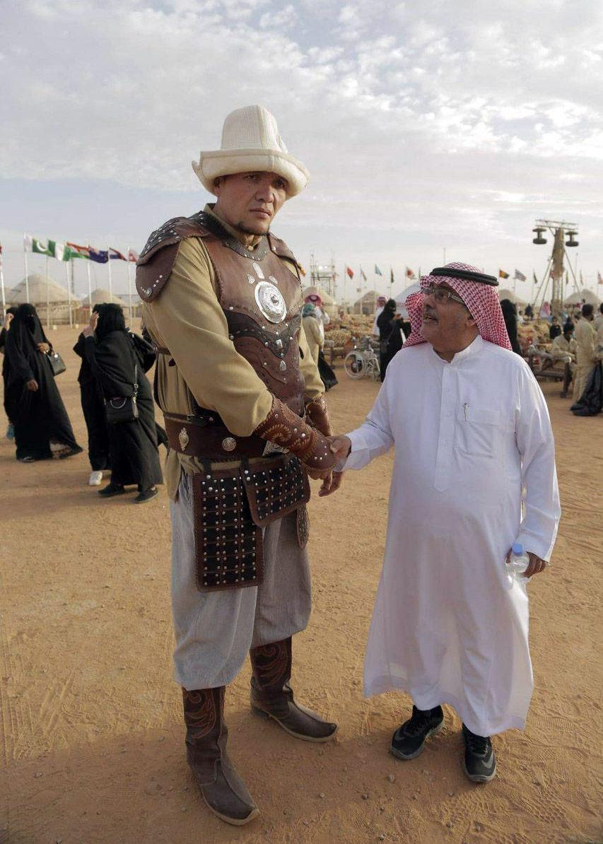 Участник этнофестиваля Camel Fest в Саудовской Аравии Тилектеш Усенакунов