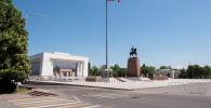 Исторический музей на площади Ала-Тоо в Бишкеке