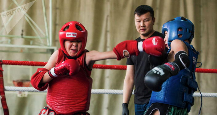 Бишкекте тай бокс боюнча КРдин чемпионаты өттү. Беттештеги ирмемдер