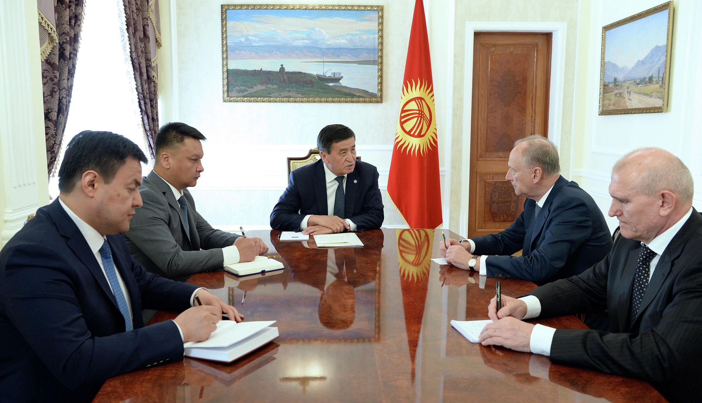 Президент КР Сооронбай Жээнбеков принял Секретаря Совета безопасности РФ Николая Патрушева, прибывшего в Кыргызстан