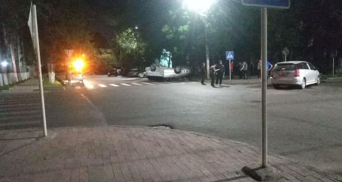 ДТП на пересечении улиц Жумабека и Тыныстанова в Бишкеке
