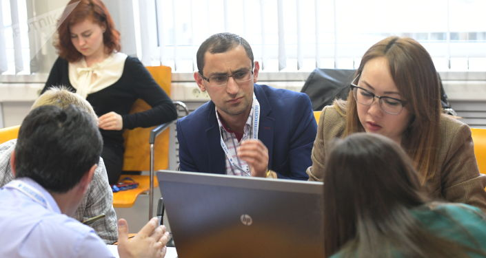 Международное информационное агентство и радио Sputnik провело в Москве очередную сессию проекта SputnikPro для молодых журналистов из стран СНГ и Балтии