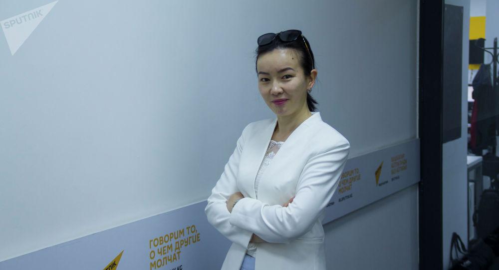 Мамлекеттик тил боюнча улуттук комиссиянын башкы адиси Нурзат Асанбекова