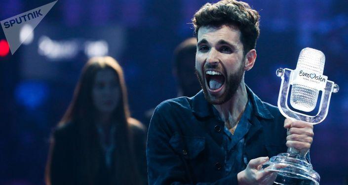 Певец из Нидерландов Дункан Лоуренс, победивший в финале 64-го международного конкурса песни Евровидение-2019.