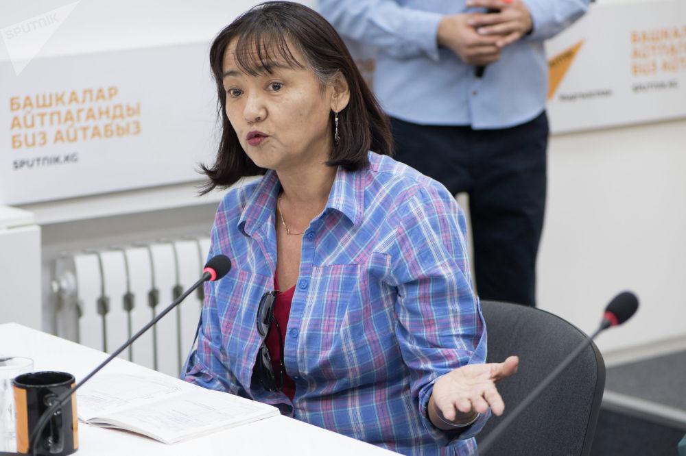 Общественный активист, глава общественного фонда Наше право Калича Умуралиева