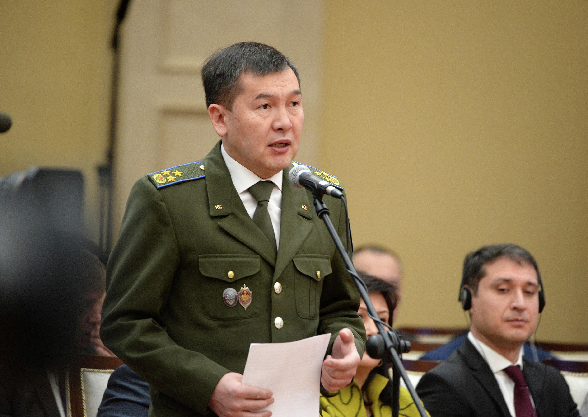 Председатель Государственного комитета национальной безопасности страны Идрис Кадыркулов на заседании Совета по судебной реформе