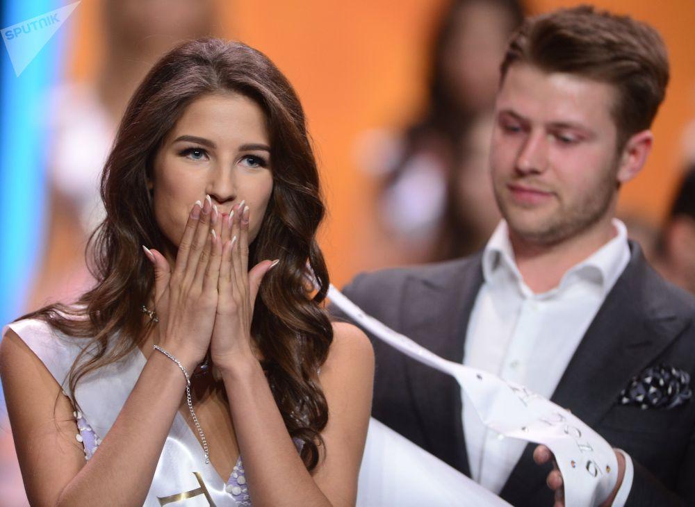 Мисс Россия-2016 конкурсунун жеңүүчүсү Яна Добровольская
