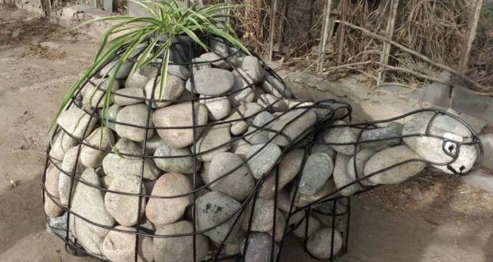 Каменная черепаха изготовленная сотрудниками МП Бишкекзеленхоз