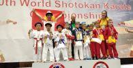 Ош шаарынын спортчулары каратэ боюнча эки башка дүйнөлүк чемпионаттан 20 медалга ээ болушту