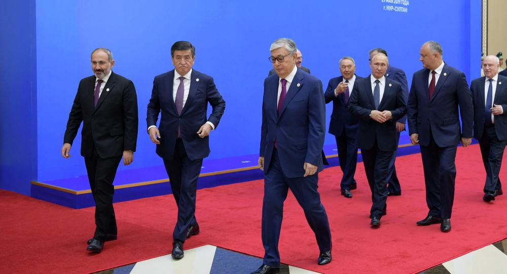 Главы стран ЕАЭС на заседании Высшего Евразийского экономического совета в Нур-Султане