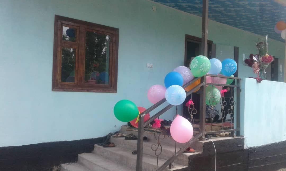 Дом построенный для малоимущей семьи выпускниками окончившими школу села Тайгараев двадцать лет назад