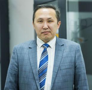 Маалыматтык технологиялар жана байланыш боюнча мамлекеттик комитеттин төрагасынын орун басары Эшмамбет Аматов