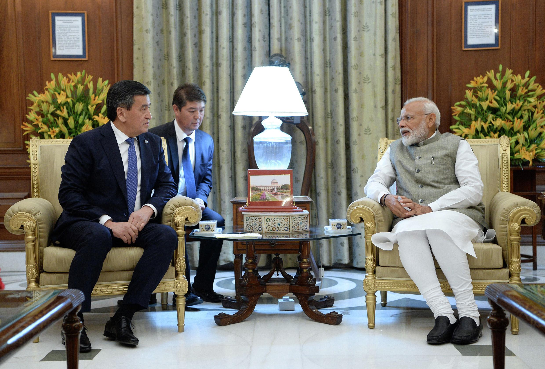 Президент Кыргызской Республики Сооронбай Жээнбеков в рамках рабочего визита в Республику Индия, встретился с премьер-министром Индии Нарендрой Моди. 30 мая 2019 года