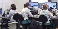 Сотрудницы в лаборатории. Архивное фото