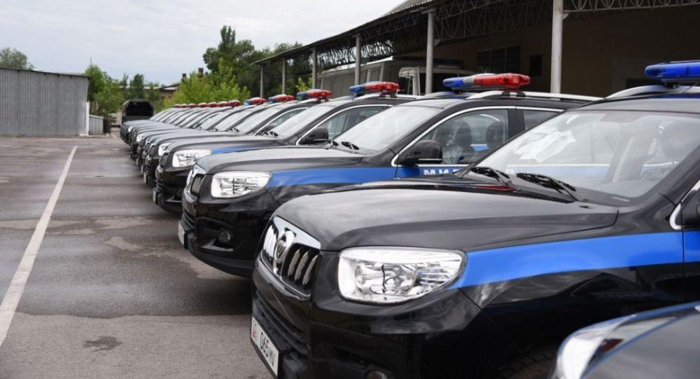 Кытай тарабынан бреилген зооттолгон унаалар. Архивдик сүрөт полицейские машины