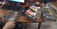 Антикоррупционная служба Госкомитета нацбезопасности КР пресекла незаконную деятельность букмекерской конторы, которая за три года вывела из страны более 1 миллиарда сомов