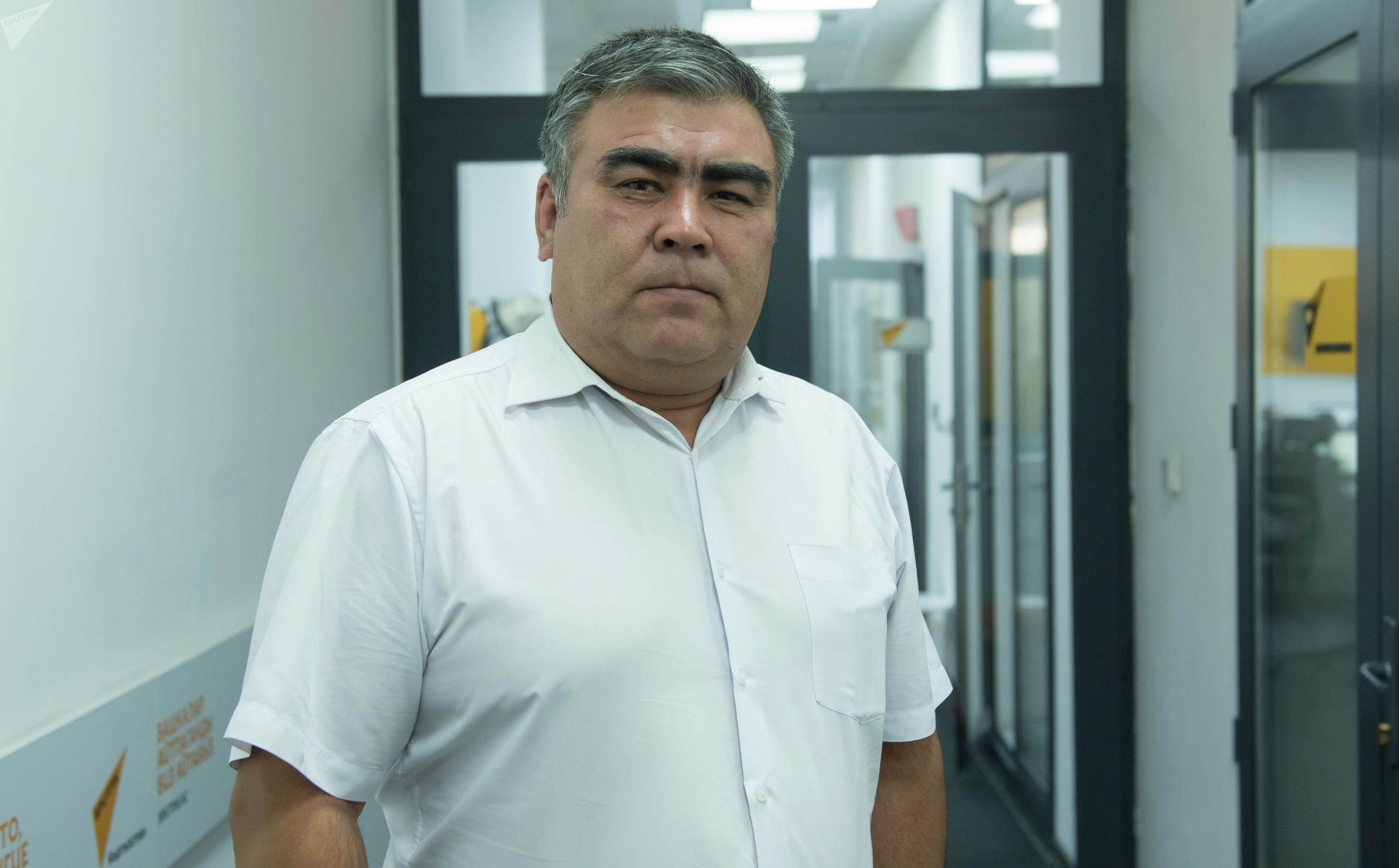 Руководитель Центрального территориального представительства Государственной кадровой службы КР Мыктыбек Омурзаков