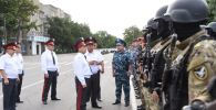На старой площади Бишкека прошел гарнизонный развод столичной милиции