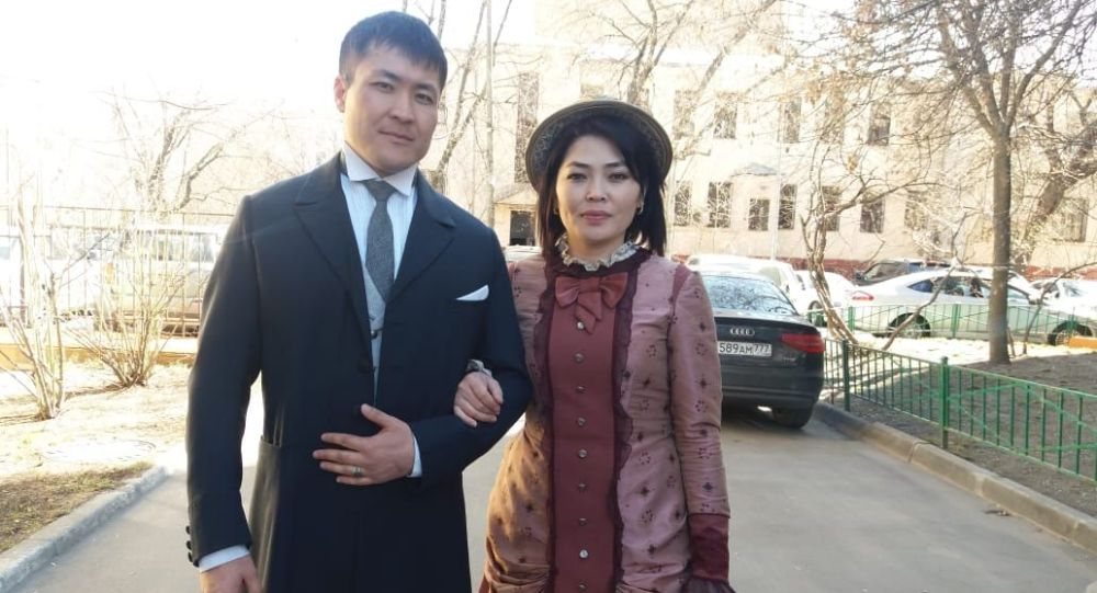 Кыргызстанцы, супруги Эмил Токтомышев и Назгуль Мыйтанова приехали в Москву и стали актерами