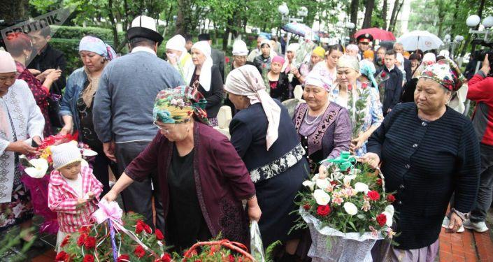 В Оше прошли мероприятия, посвященные девятой годовщине трагических событий июня 2010 года
