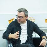 Российский телеведущий Вадим Такменев прибыл в Бишкек, чтобы провести мастер-класс в рамках образовательного проекта SputnikPro