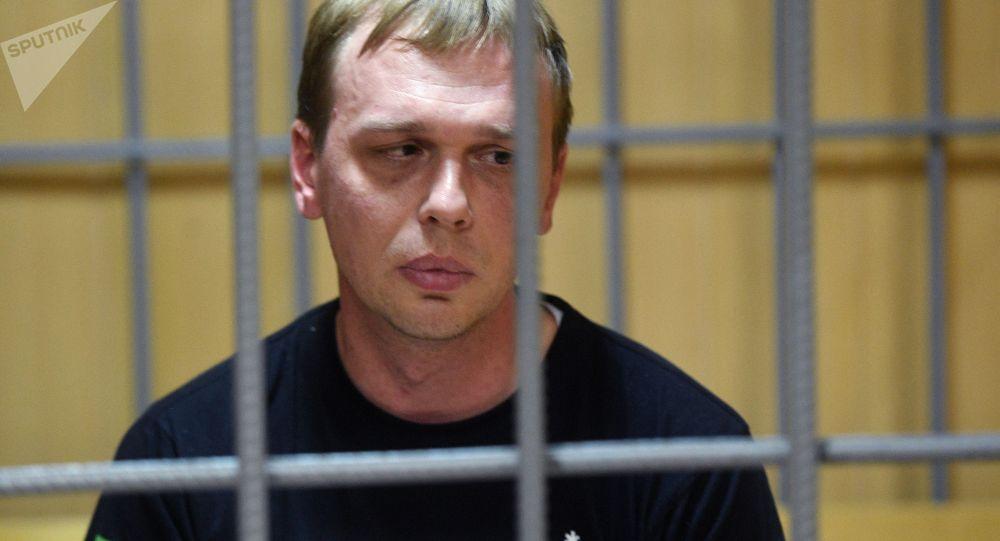 Журналист интернет-издания Медуза Иван Голунов, обвиняемый  в незаконном обороте наркотиков, на заседании Никулинского суда города Москвы, где рассматривается ходатайство следствия о его аресте.