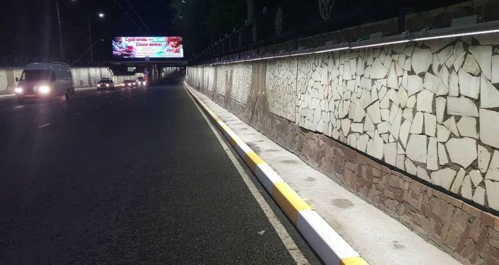 Путепровод на проспекте Чингиза Айтматова (правительственная трасса) засиял декоративными светодиодными светильниками