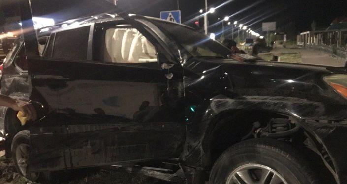 Последствия ДТП на пересечении улиц Токомбаева и Шералиева