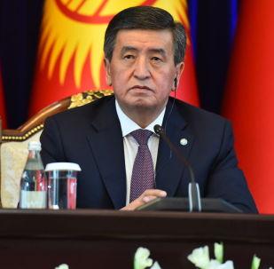 Президент КР Сооронбай Жээнбеков на встрече с председателем КНР Си Цзиньпином