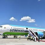 Ал эми коңшу өлкөлөрдүн ичинен биринчи болуп Өзбекстандын президенти Шавкат Мирзиёев келип түштү. Аны Манас аба майданынан өкмөт башчы Мухаммедкалый Абылгазиев тосуп алды. Өзбекстандын лидери Uzbekistan Airways компаниясынын Boeing 767-300 үлгүсүндөгү учагы менен келди.