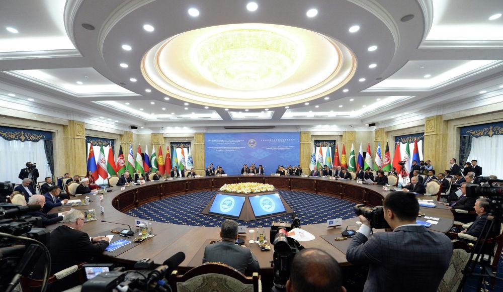 Заседание в расширенном составе — присоединились государства-наблюдатели (Афганистан, Беларусь, Иран и Монголия)