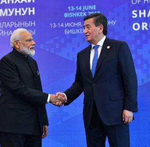 Президент КР Сооронбай Жээнбеков и премьер-министр Индии Нарендра Моди