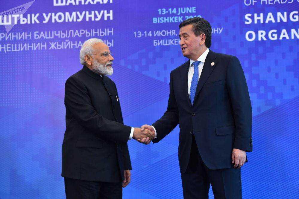 Сооронбай Жээнбеков и премьер-министр Индии Нарендра Моди