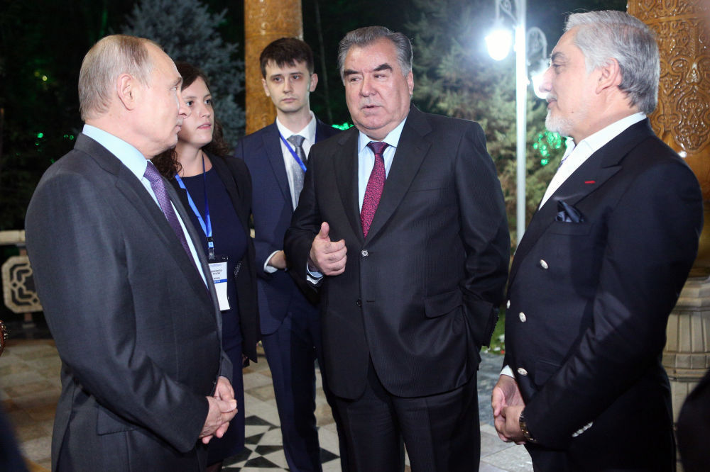 Достук кечесине Россия президенти Владимир Путин да келди