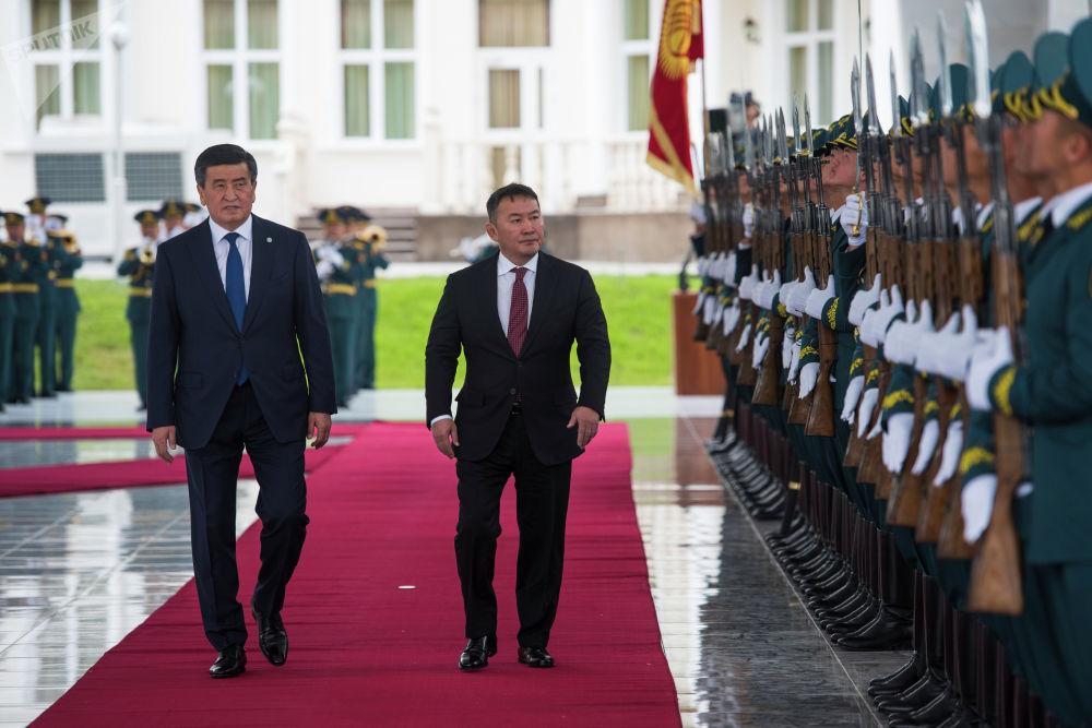 12 июня, в Бишкек впервые с официальным визитом прилетел президент Монголии Халтмаагийн Баттулга. Он провел переговоры с президентом Кыргызстана Сооронбаем Жээнбековым. Также, Баттулга принял участие в саммите ШОС, который прошел Бишкеке 14 июня. Монголия имеет статус наблюдателя в организации.