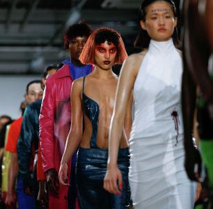 Модели на неделе моды в Лондоне