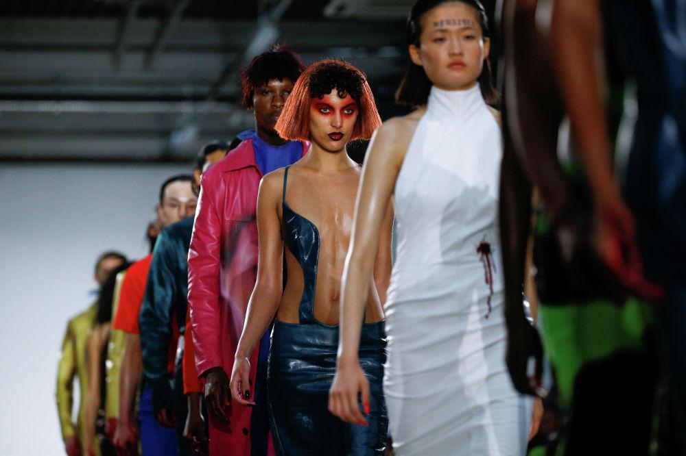 Модели на Лондонской неделе моды