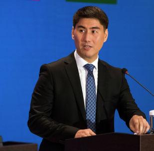 Кыргыз Республикасынын тышкы иштер министри Чыңгыз Айдарбеков. Архив
