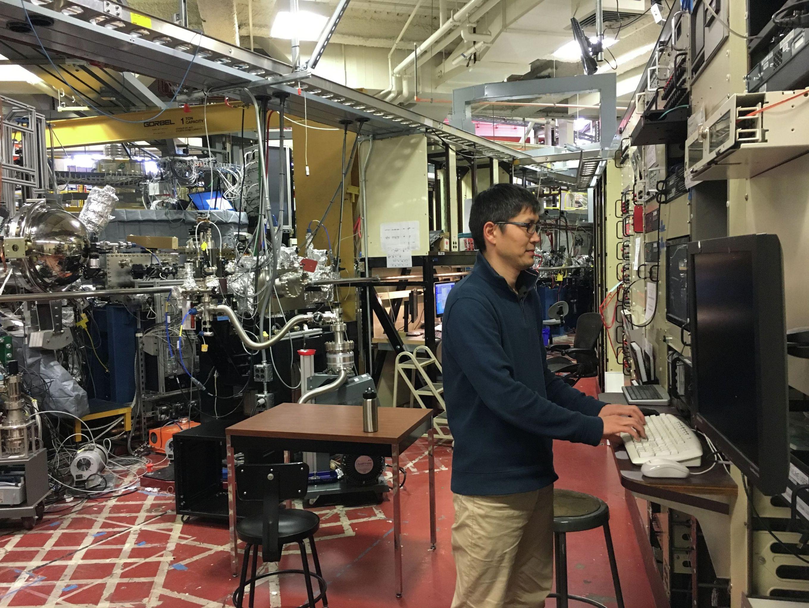 Доктор химических наук в одном из университетов Калифорнии, кыргызстанец Кайрат Сабыров