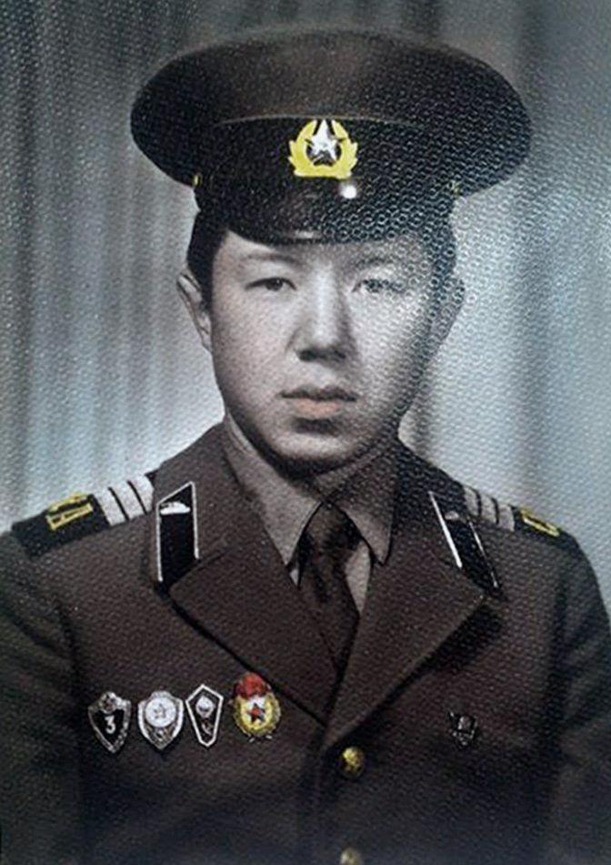 Премьер-министр КР Темир Сариев проходил срочную военную службу в рядах Советской Армии в 1981-1983 годах