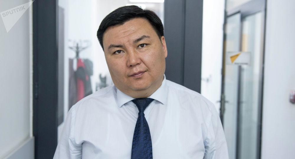 Бишкек шаарынын мэриясынын жер пайдалануу жана курулуш башкармалыгынын башчысы Талантбек Иманакун уулу
