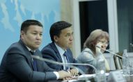 Заседание специальной комиссии Жогорку Кенеша для дачи заключения по вопросу выдвижения обвинения против экс-президента Кыргызской Республики А.Атамбаева для лишения его статуса.