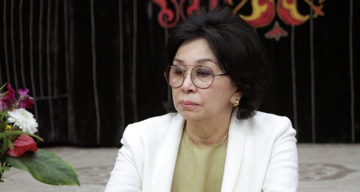 Назначенная директором музея ИЗО имени Г. Айтиева Мира Джангарачева