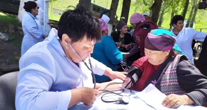 Работа мобильной клиники в Жумгальском районе