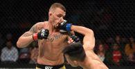 Боец из Южной Кореи Чон Чхан Сон во время боя с бразильцем Ренато Мойкано на UFC Fight Night 154 в Гринвиле (США)