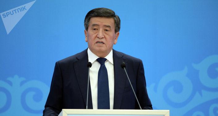 Президент Кыргызской Республики Сооронбай Жээнбеков на Национальном форуме, посвященному 30-летию принятия конвенции ООН о правах ребенка и 25-летию присоединения Кыргызской Республики к данной конвенции. 25 июня 2019 года