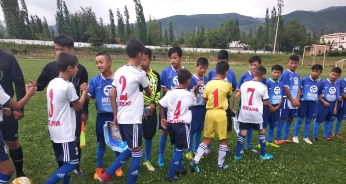 Кыргызстанская детская команда Мол булак обыграла узбексий Бостон на турнире по футболу Кубок дружбы в Оше