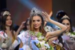 Победительница 25-го фестиваля красоты и талантов Краса России-2019 Анна Бакшеева во время церемонии награждения в концертном зале Vegas City Hall.