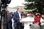 3-июлда Бишкектеги Форум имаратынын алдында Атамбаевдин тарапташтары тынчтык митингин өткөрдү.