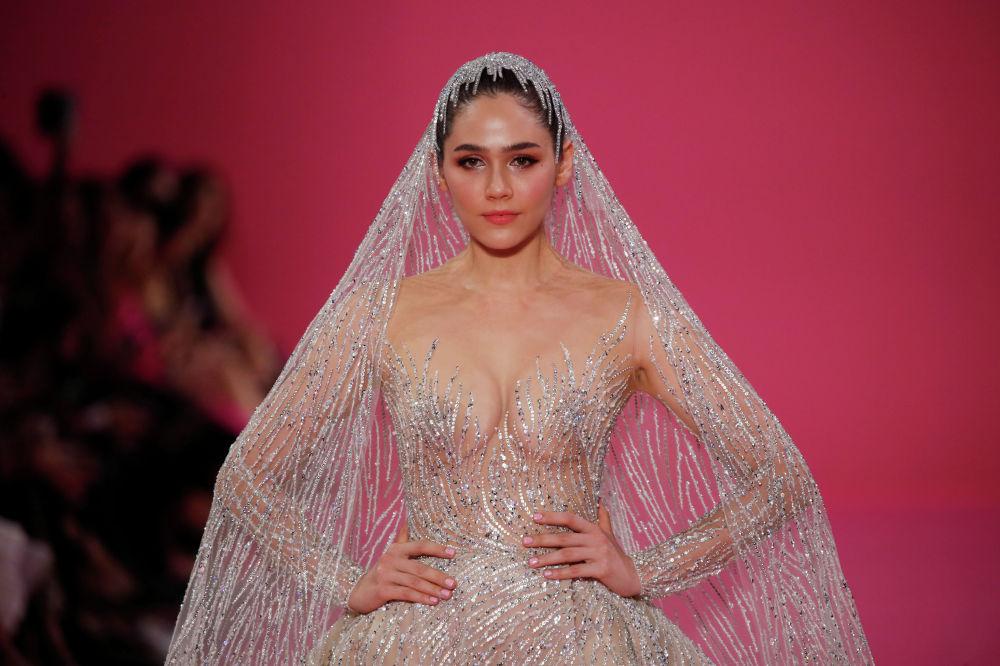 Georges Hobeika мода үйү өз коллекциясын көрсөттү.
